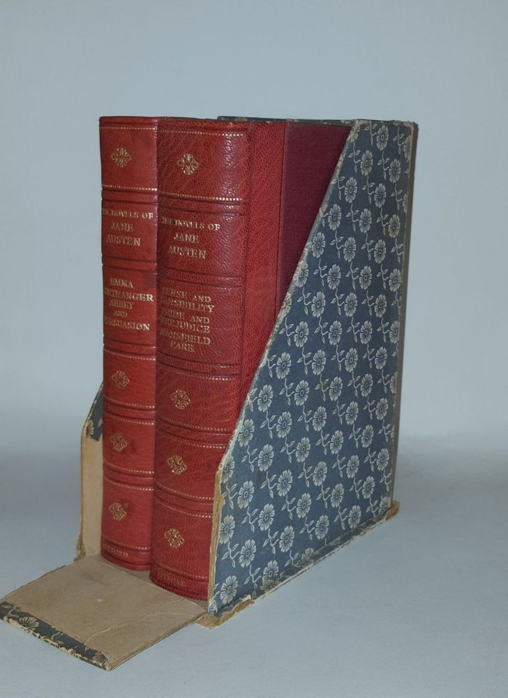 THE NOVELS OF JANE AUSTEN the Text Based on Collation of the Early Editions in Five Volumes. CHAPMAN R. W. AUSTEN Jane.